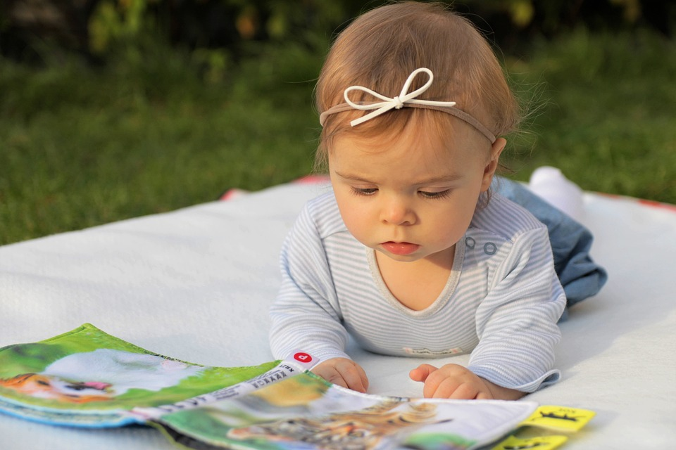 how to promote the cognitive development of babies