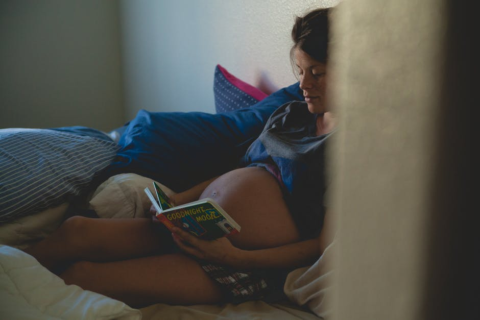 overcome pregnancy stress through reading